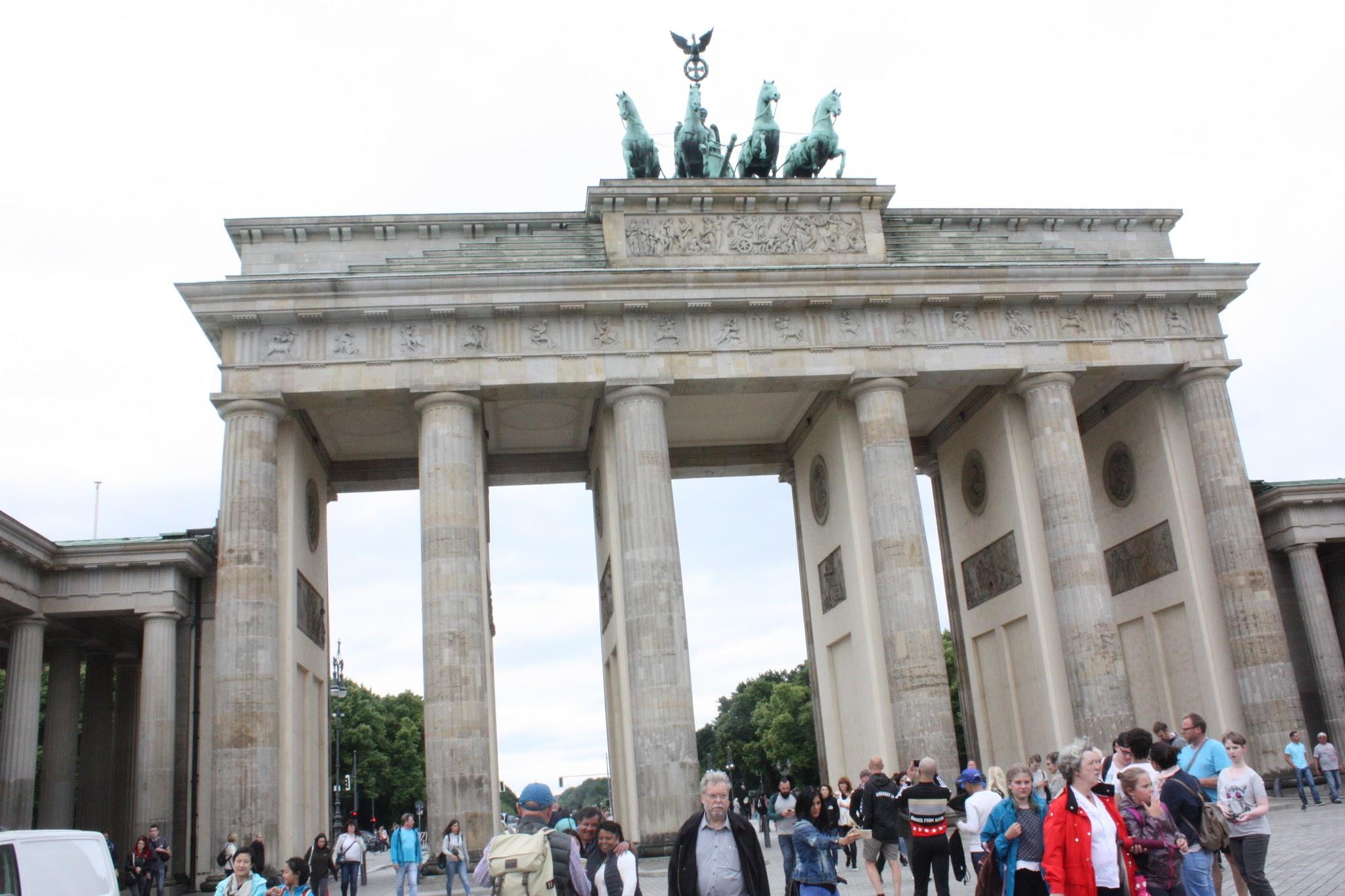 Follow Me Arround Berlin